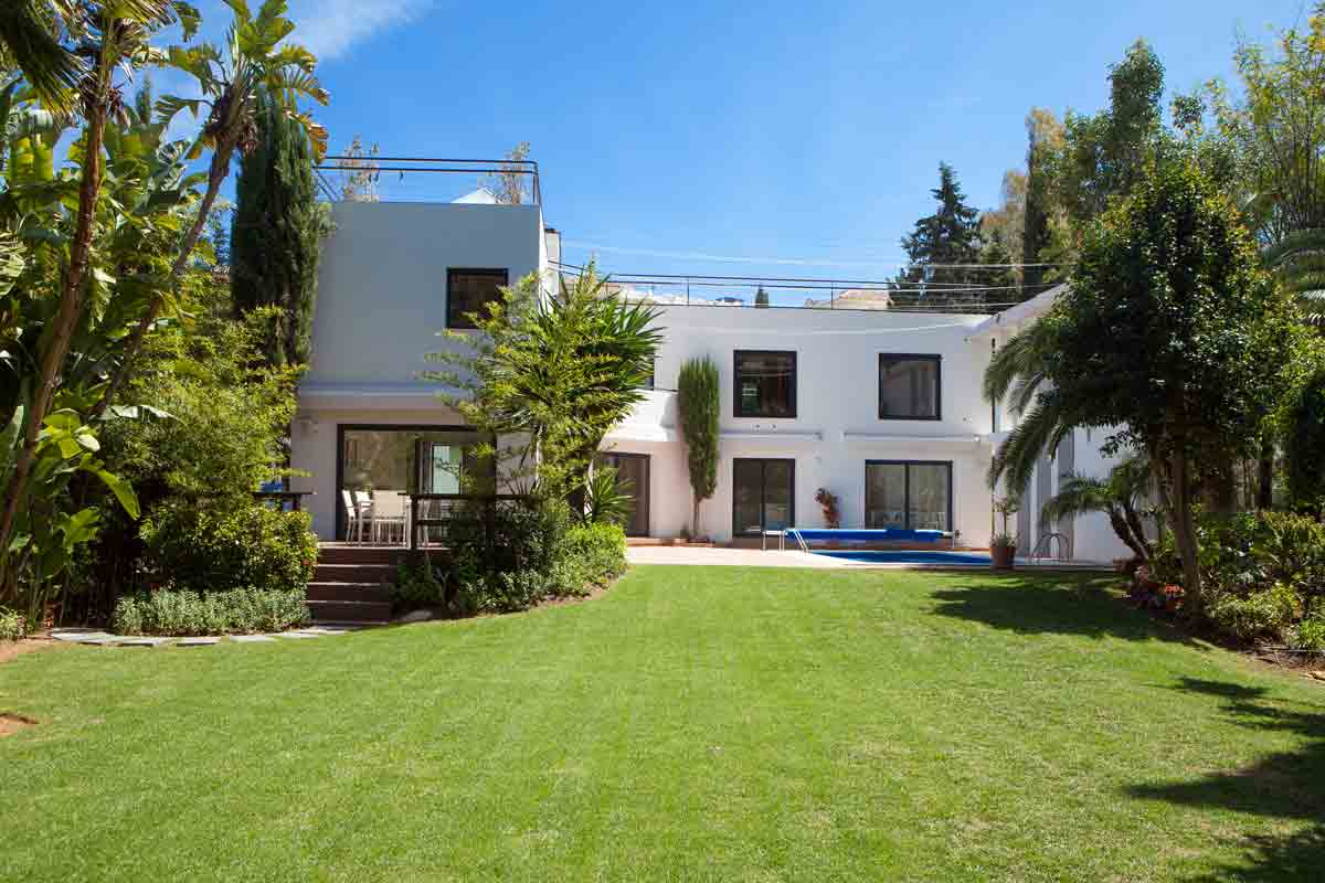 Attractive Villa 1 LAGOMAR in Nueva Andalucia , Spain