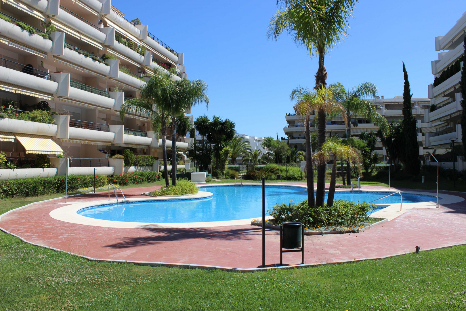 Oportunity nice apartment in Campos de Guadalmina
