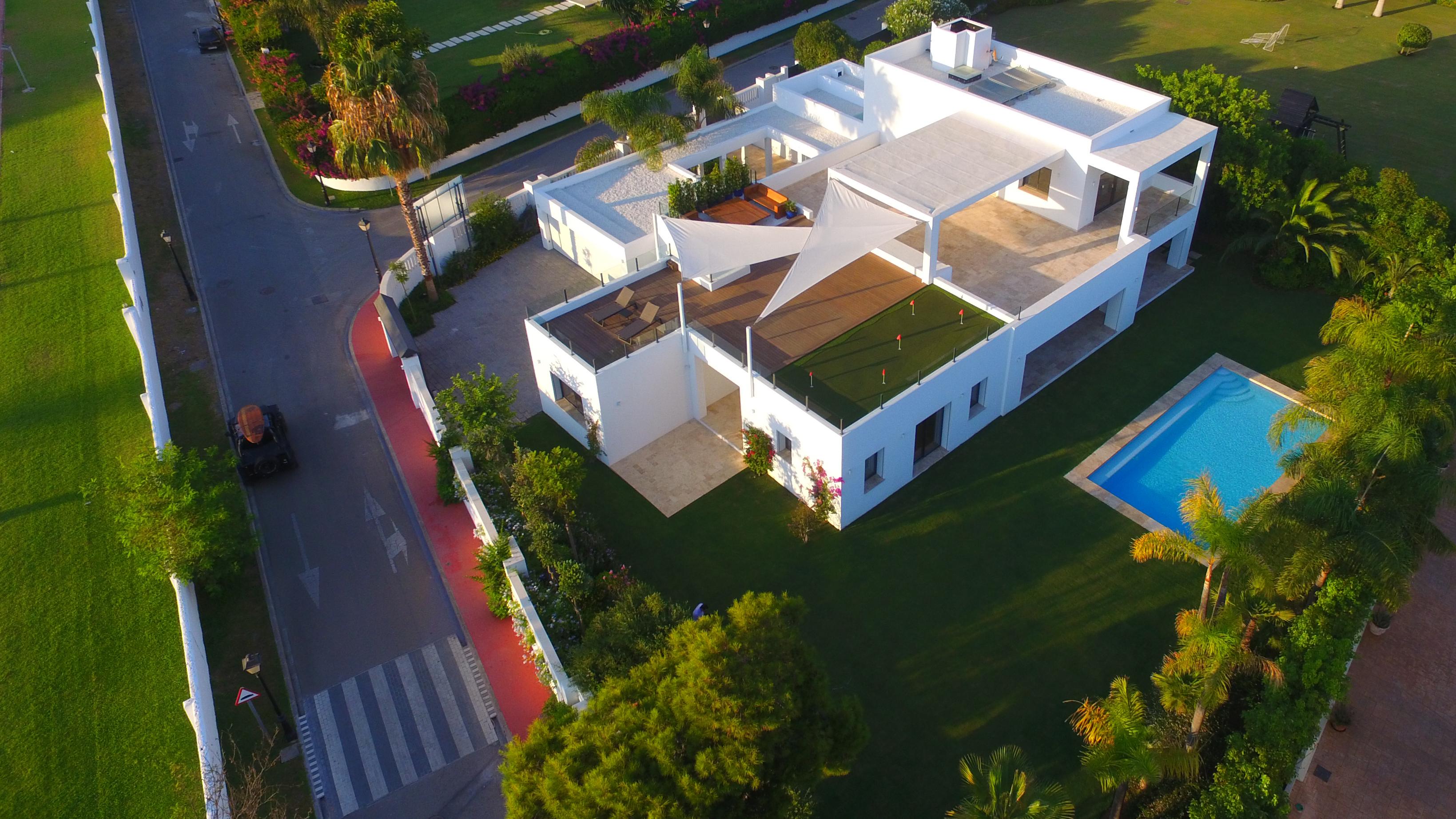 ویلا 5 خوابه در Guadalmina